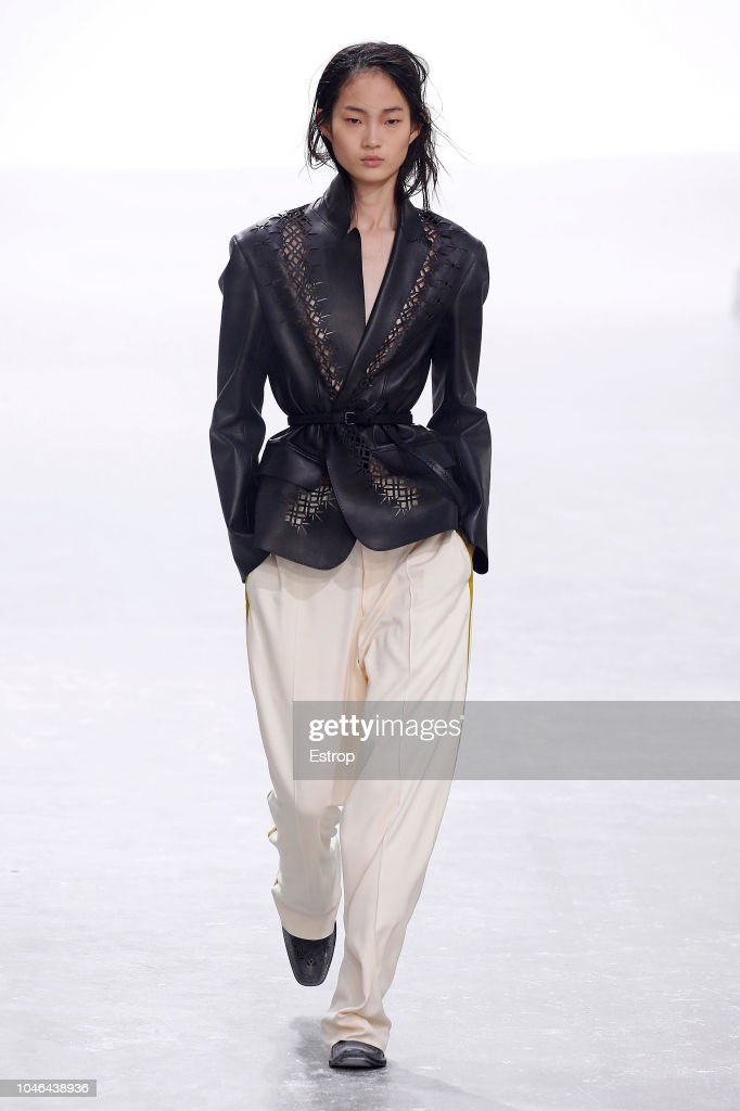 Haider Ackermann : Runway - Paris Fashion Week Womenswear Spring/Summer 2019 : News Photo