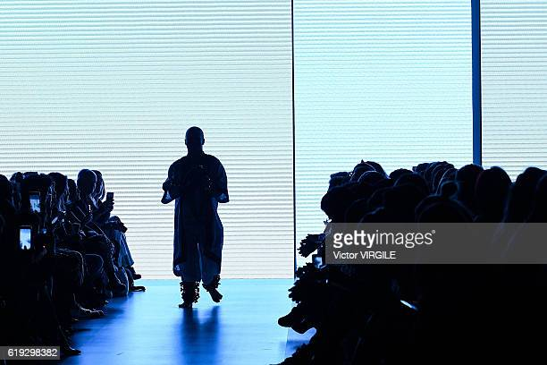 A model walks the runway during the Helo Rocha show at Sao Paulo Fashion Week Fall/Winter 2017 on October 27 2016 in Sao Paulo Brazil
