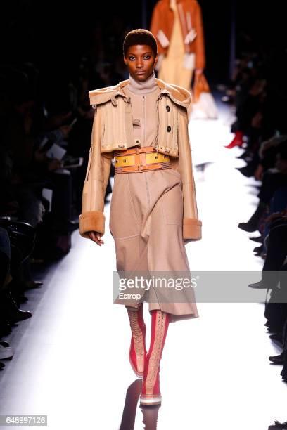 A model walks the runway during the Hermes designed by Nadège VanheeCybulski show as part of the Paris Fashion Week Womenswear Fall/Winter 2017/2018...