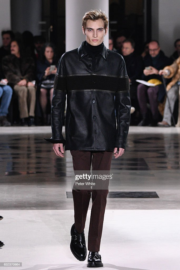 Hermes : Runway - Paris Fashion Week - Menswear F/W 2017-2018 : ニュース写真