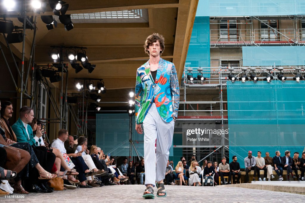 Hermes : Runway - Paris Fashion Week - Menswear Spring/Summer 2020 : News Photo