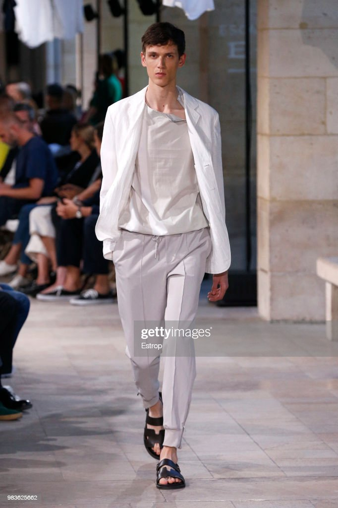 Hermes: Runway - Paris Fashion Week - Menswear Spring/Summer 2019 : ニュース写真
