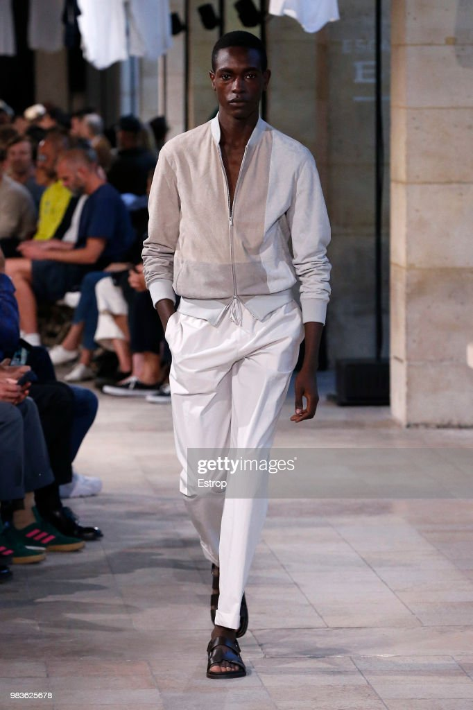 Hermes: Runway - Paris Fashion Week - Menswear Spring/Summer 2019 : Nachrichtenfoto