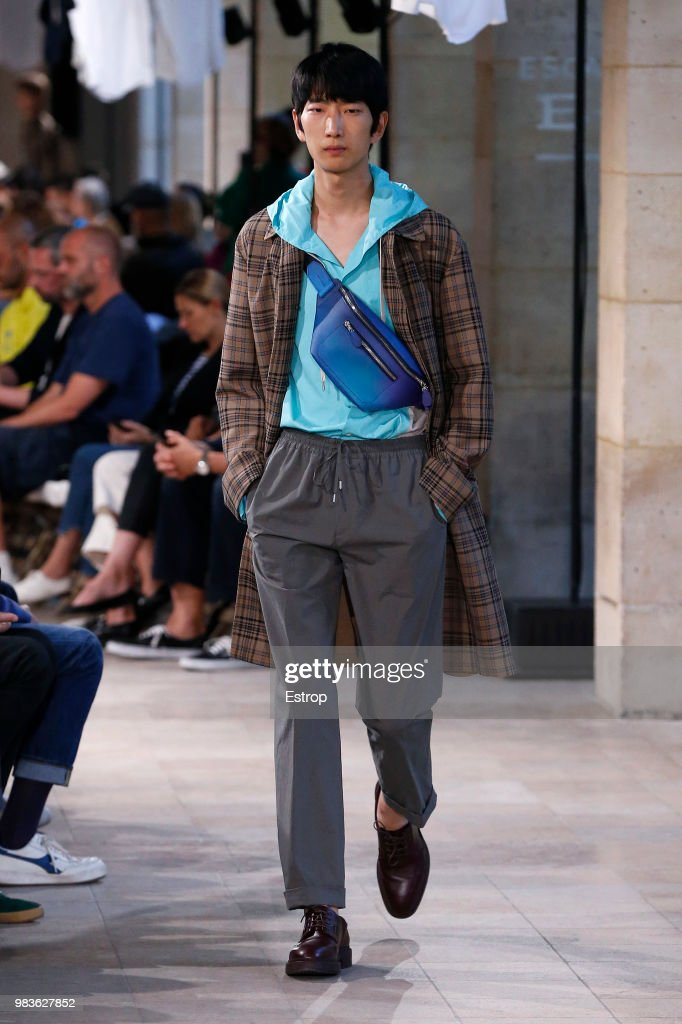 Hermes: Runway - Paris Fashion Week - Menswear Spring/Summer 2019 : News Photo