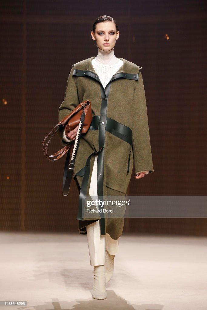 Hermes : Runway - Paris Fashion Week Womenswear Fall/Winter 2019/2020 : News Photo