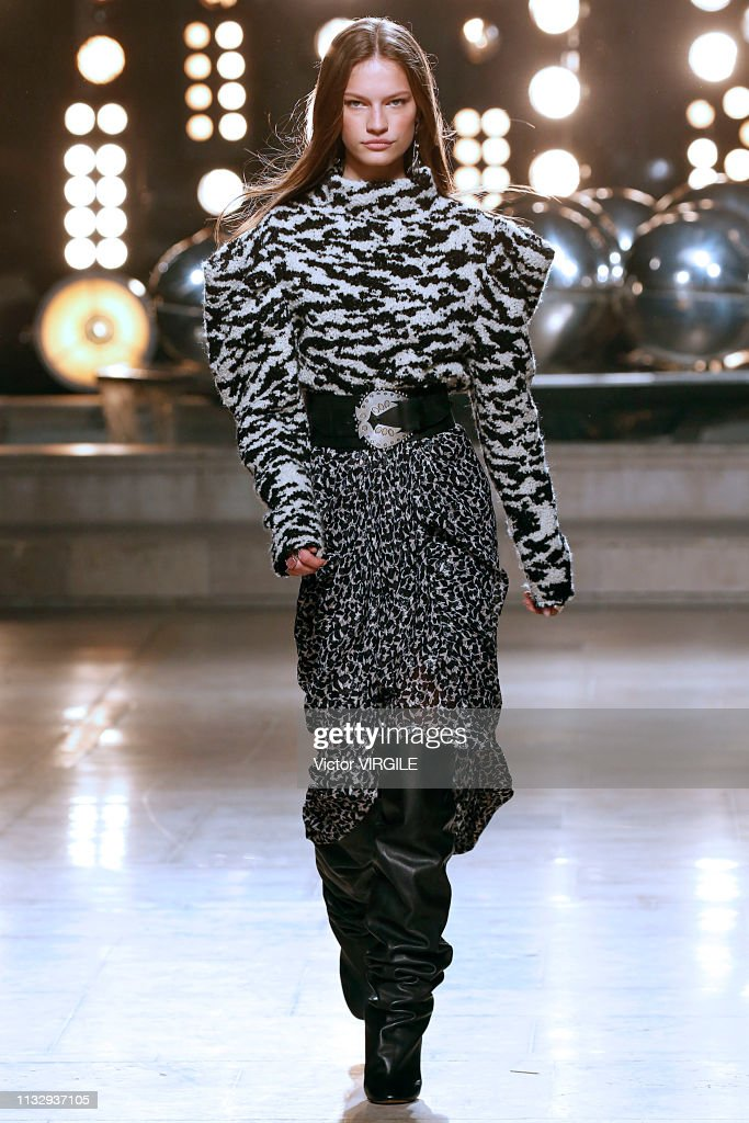 Isabel Marant - Runway - Paris Fashion Week Womenswear Fall/Winter 2019/2020 : News Photo