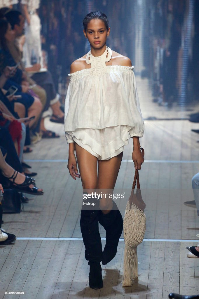 Isabel Marant : Runway - Paris Fashion Week Womenswear Spring/Summer 2019 : ニュース写真