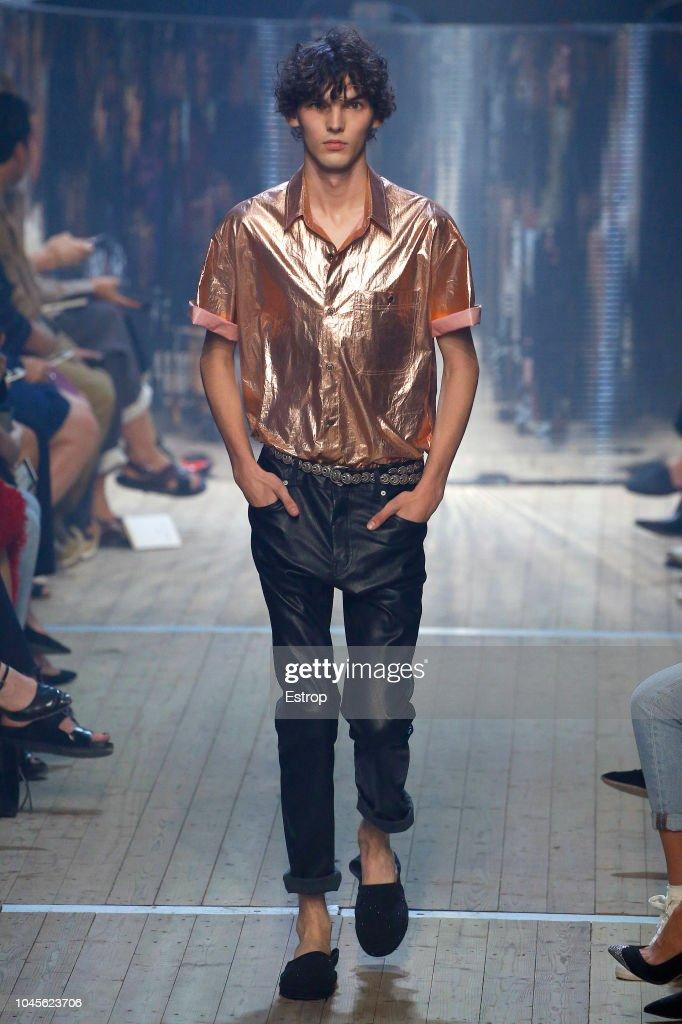Isabel Marant : Runway - Paris Fashion Week Womenswear Spring/Summer 2019 : ニュース写真