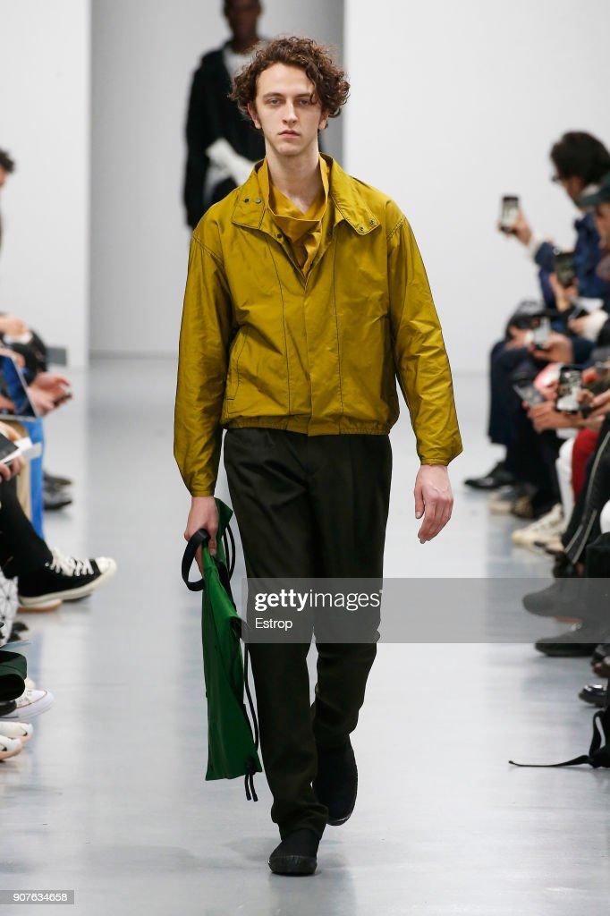 Issey Miyake Men : Runway - Paris Fashion Week - Menswear F/W 2018-2019 : Fotografía de noticias