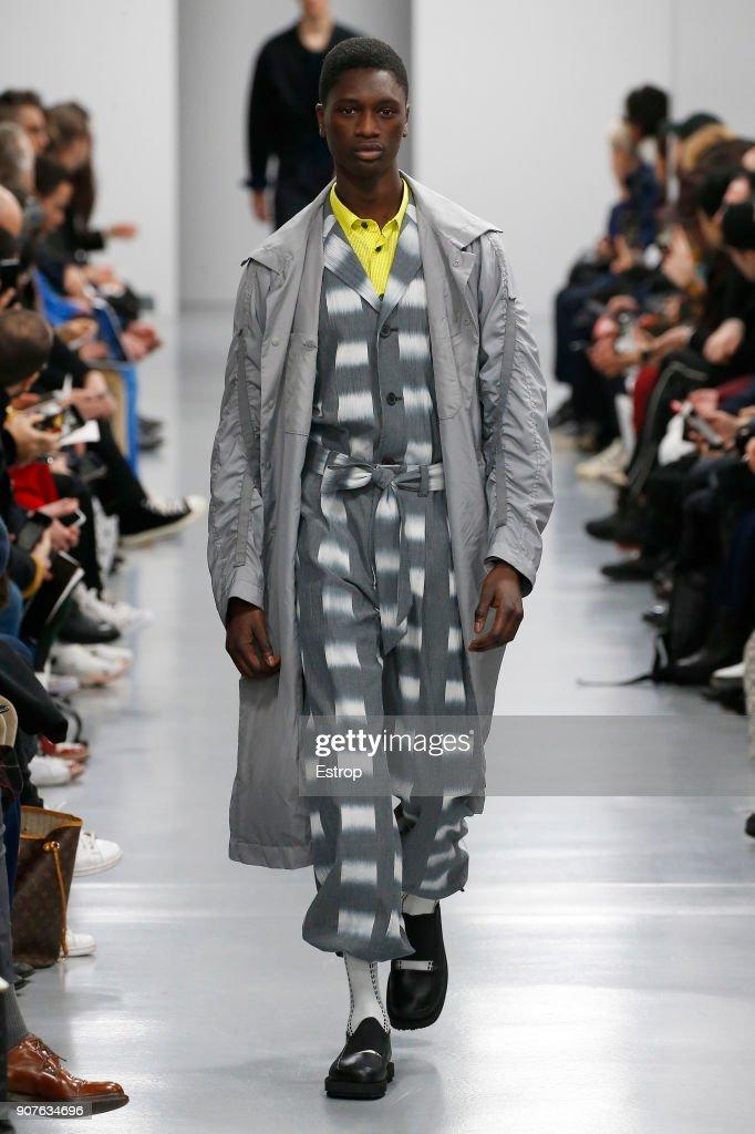 Issey Miyake Men : Runway - Paris Fashion Week - Menswear F/W 2018-2019 : ニュース写真