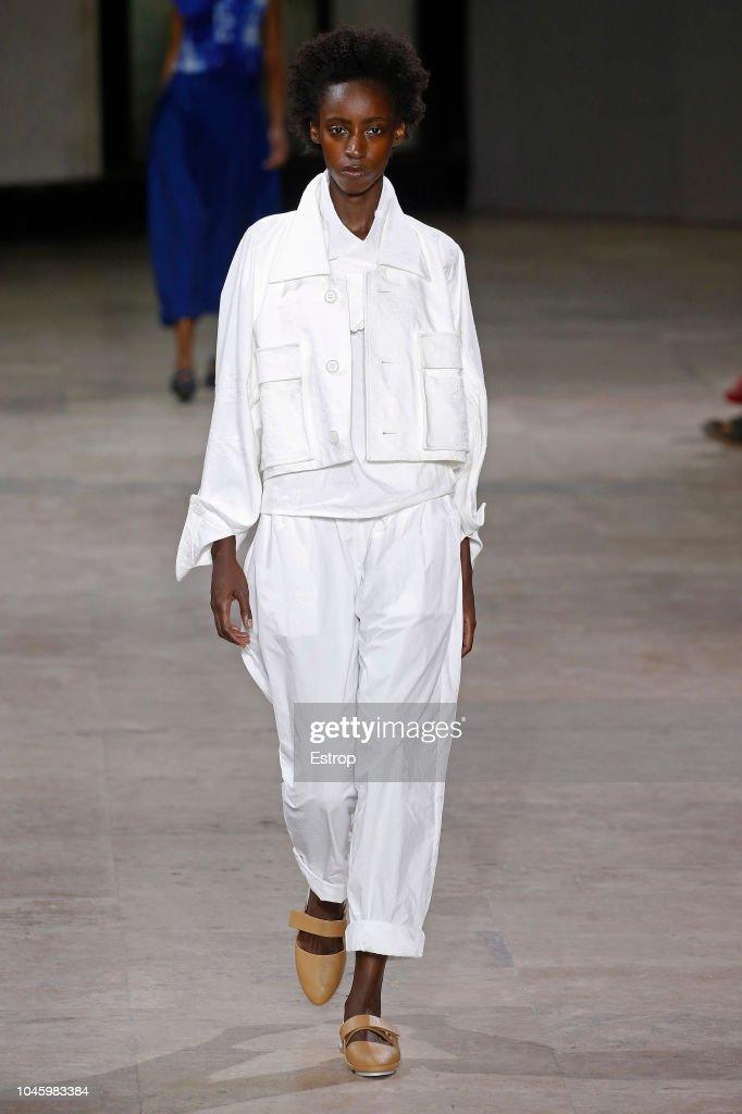 Issey Miyake : Runway - Paris Fashion Week Womenswear Spring/Summer  2019 : ニュース写真