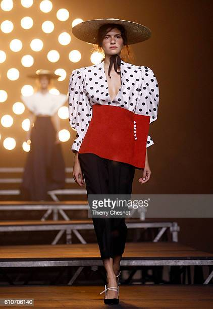 Model walks the runway during the Jacquemus show as part of the Paris Fashion Week Womenswear Spring/Summer 2017 on September 27, 2016 in Paris,...