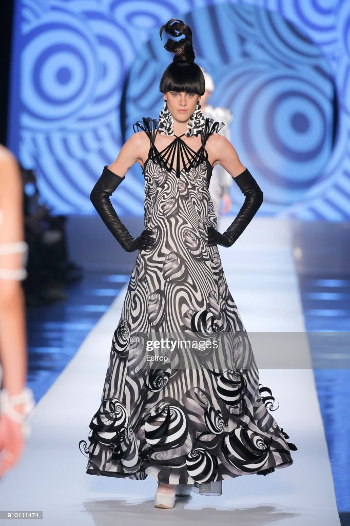 model-walks-the-runway-during-the-jeanpaul-gaultier-spring-summer-picture-id910111474