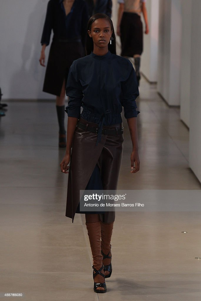 Jill Sander - Runway - Milan Fashion Week Womenswear Spring/Summer 2015 : News Photo