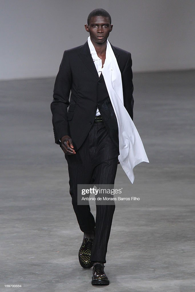 John Galliano: Runway - Paris Fashion Week Menswear Autumn/Winter 2013
