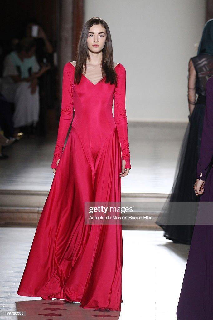 Julien Fournie : Runway - Paris Fashion Week - Haute Couture Fall/Winter 2015/2016 : News Photo