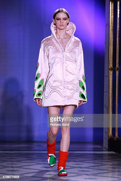 A model walks the runway during the Junko Shimada show as part of the Paris Fashion Week Womenswear Fall/Winter 20142015 at Hotel Le Meurice on March...