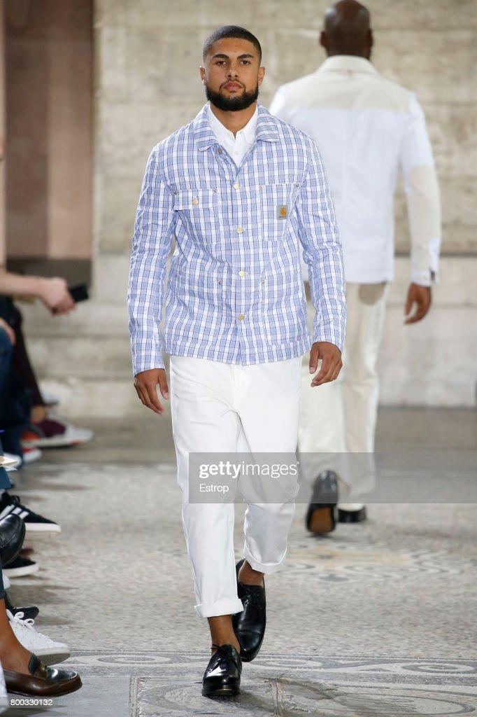 Junya Watanabe Man : Runway - Paris Fashion Week - Menswear Spring/Summer 2018 : ニュース写真