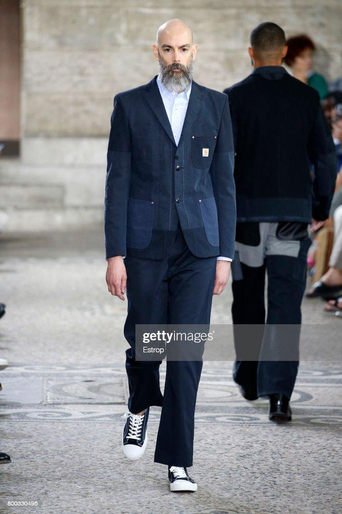 Junya Watanabe Man : Runway - Paris Fashion Week - Menswear Spring/Summer 2018 : News Photo
