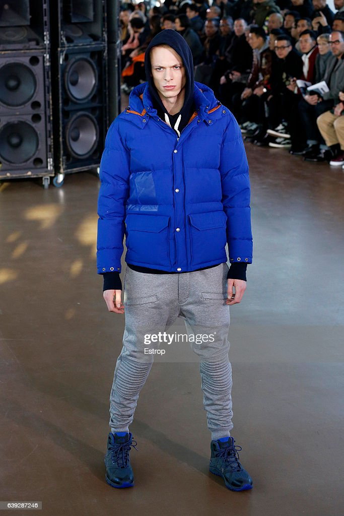 Junya Watanabe Man: Runway - Paris Fashion Week - Menswear F/W 2017-2018 : News Photo