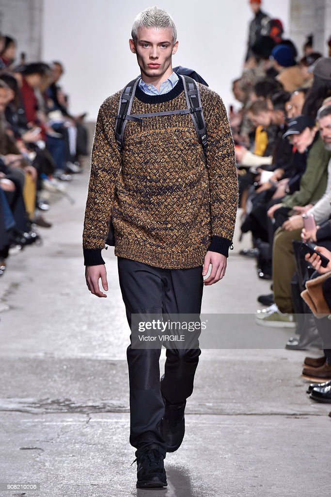 Junya Watanabe : Runway - Paris Fashion Week - Menswear F/W 2018-2019 : News Photo