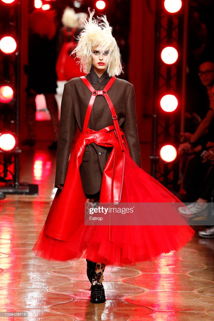 Junya Watanabe : Runway - Paris Fashion Week Womenswear Fall/Winter 2020/2021 : ニュース写真