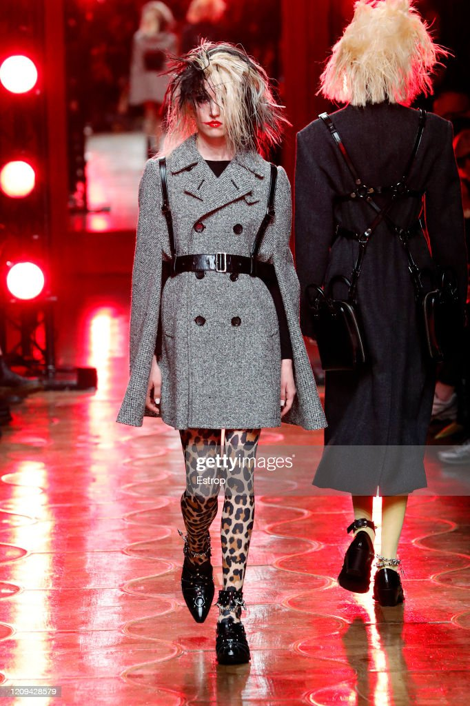 Junya Watanabe : Runway - Paris Fashion Week Womenswear Fall/Winter 2020/2021 : News Photo