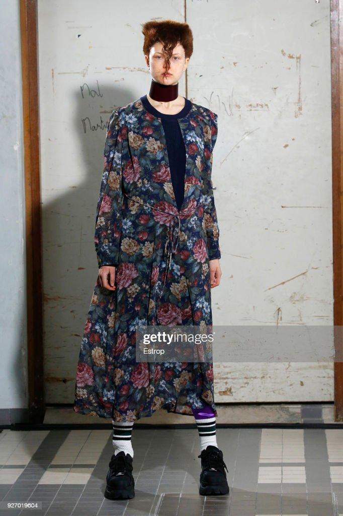 Junya Watanabe : Runway - Paris Fashion Week Womenswear Fall/Winter 2018/2019 : ニュース写真