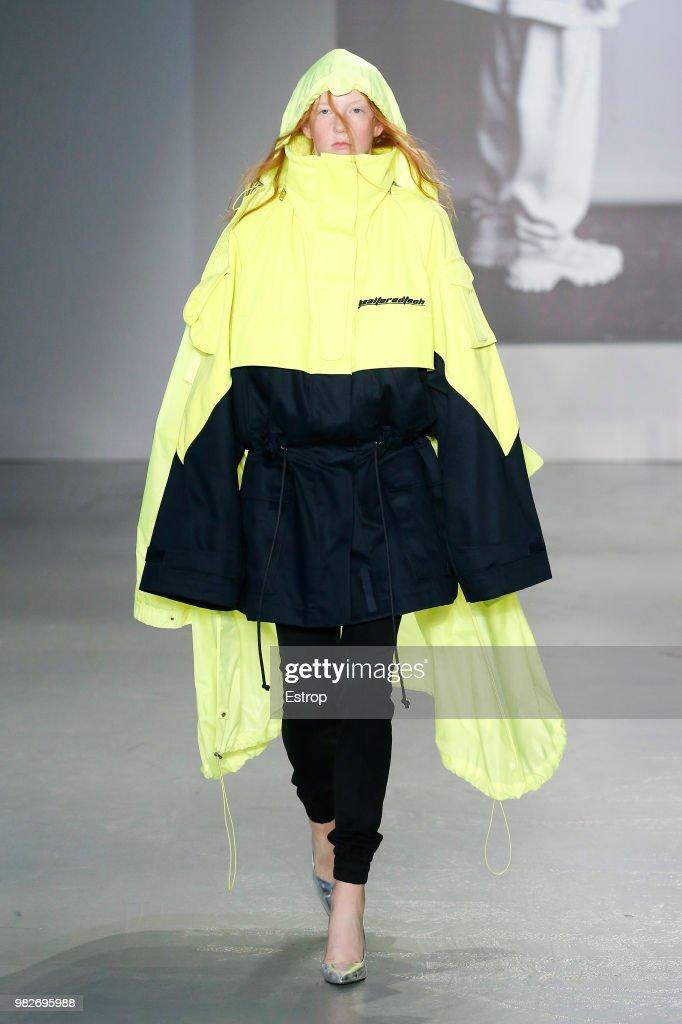 Juun J: Runway - Paris Fashion Week - Menswear Spring/Summer 2019