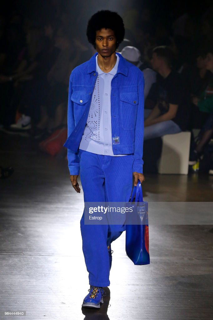Kenzo: Runway - Paris Fashion Week - Menswear Spring/Summer 2019 : ニュース写真