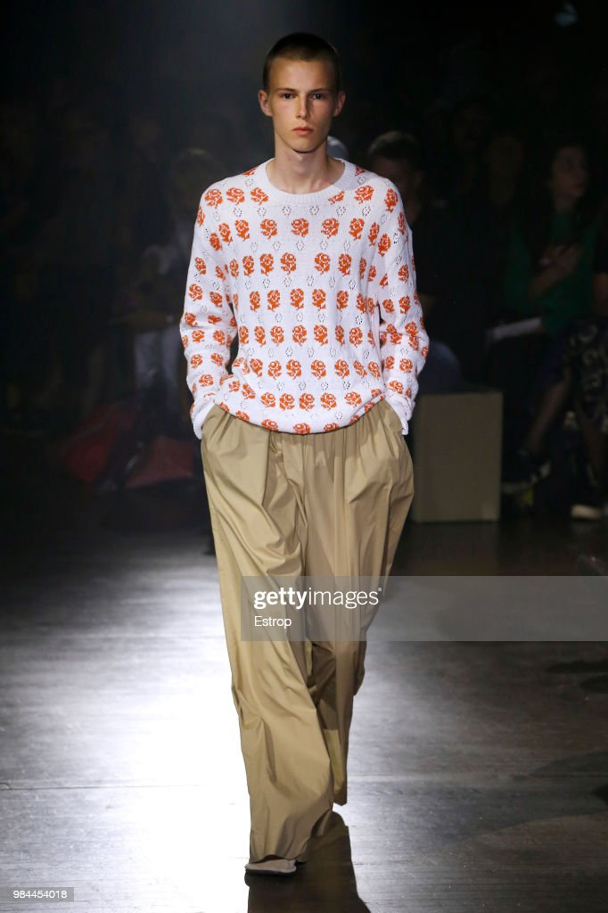 Kenzo: Runway - Paris Fashion Week - Menswear Spring/Summer 2019 : News Photo