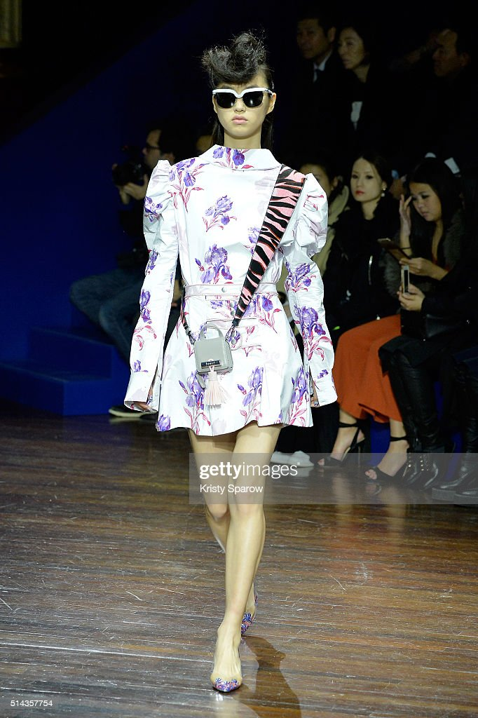 A model walks the runway during the Kenzo show as part of Paris Fashion Week Womenswear Fall/Winter 2016/2017 on March 8, 2016 in Paris, France.