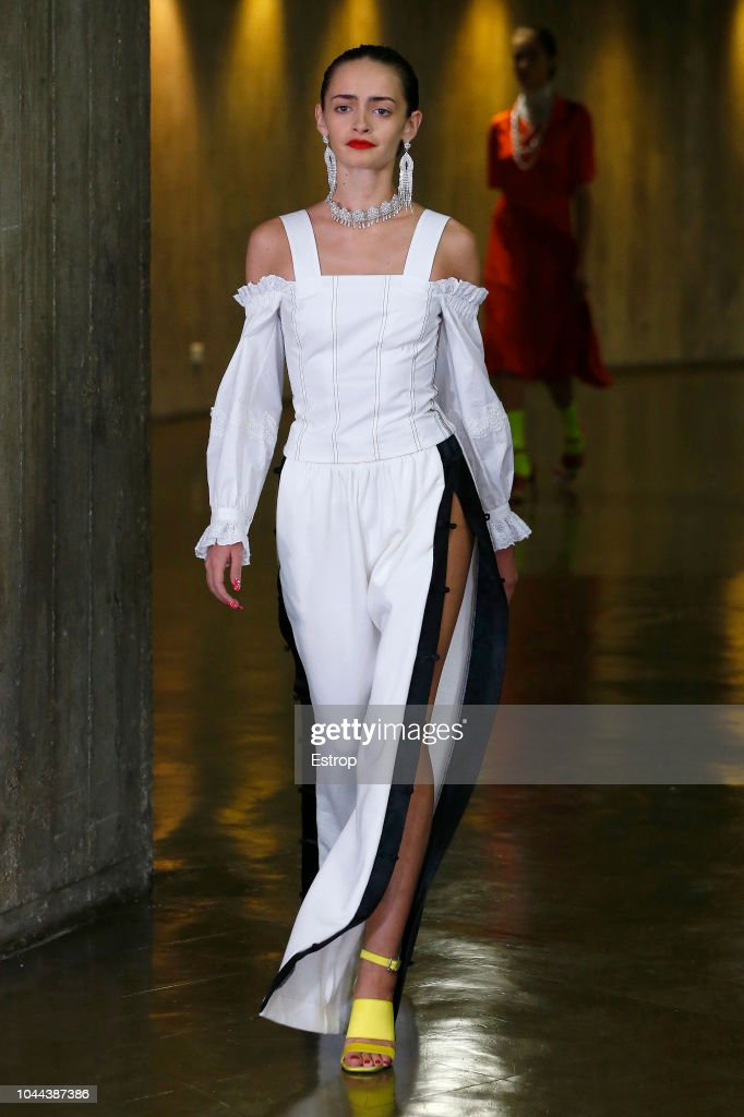 Koche : Runway - Paris Fashion Week Womenswear Spring/Summer 2019