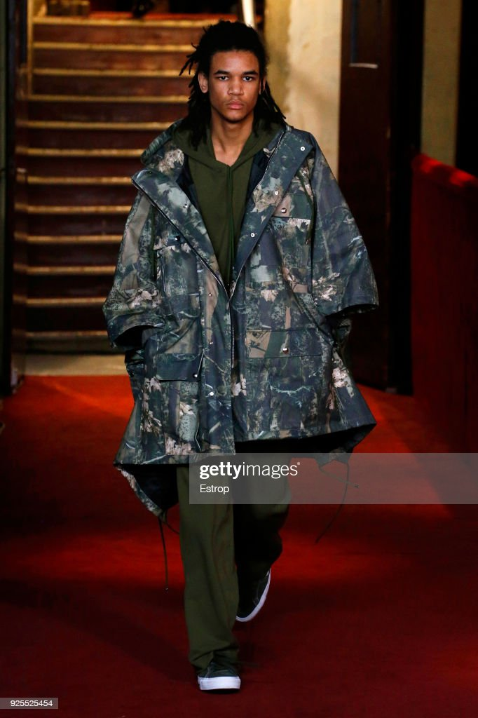 Koche : Runway - Paris Fashion Week Womenswear Fall/Winter 2018/2019 : ニュース写真