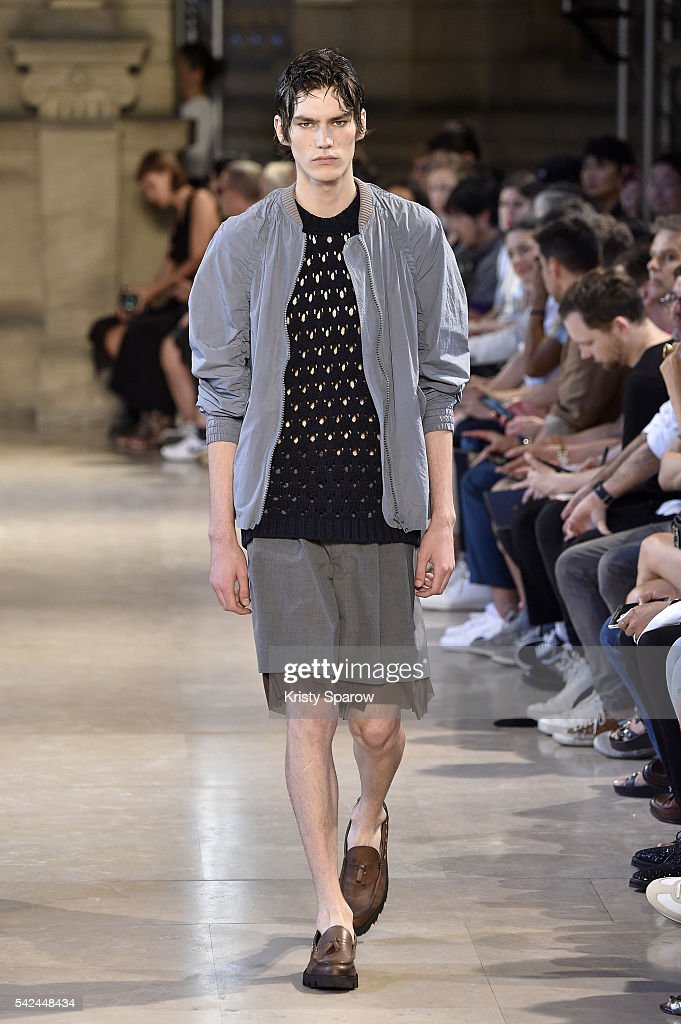 Kolor : Runway - Paris Fashion Week - Menswear Spring/Summer 2017 : News Photo