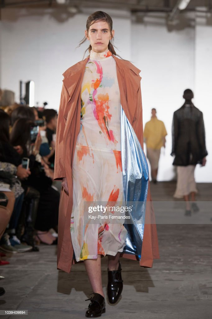 Kristina Fidelskaya : Runway - Paris Fashion Week Womenswear Spring/Summer 2019