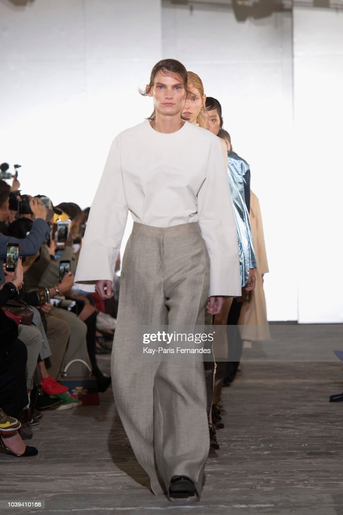 model-walks-the-runway-during-the-kristina-fidelskaya-show-as-part-of-picture-id1039410168