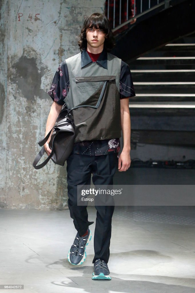 Lanvin: Runway - Paris Fashion Week - Menswear Spring/Summer 2019