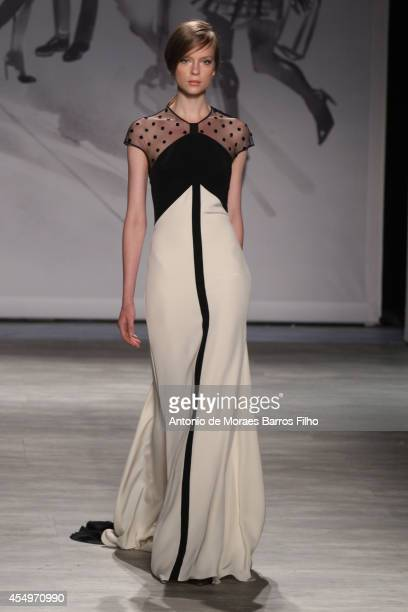 A model walks the runway during the Lela Rose MercedesBenz Fashion Week Spring 2015 at The Pavilion at Lincoln Center on September 8 2014 in New York...