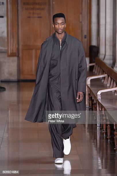 Model walks the runway during the Lemaire Menswear Fall/Winter 2016-2017 show as part of Paris Fashion Week on January 20, 2016 in Paris, France.