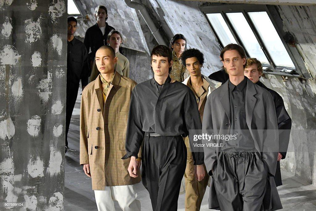 Lemaire : Runway - Paris Fashion Week - Menswear F/W 2018-2019 : ニュース写真