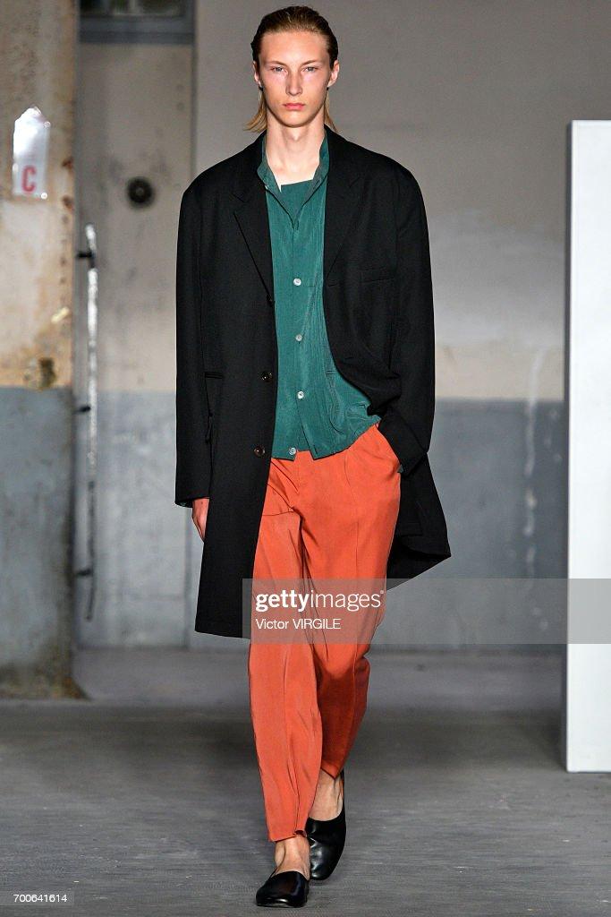 Lemaire : Runway - Paris Fashion Week - Menswear Spring/Summer 2018 : ニュース写真