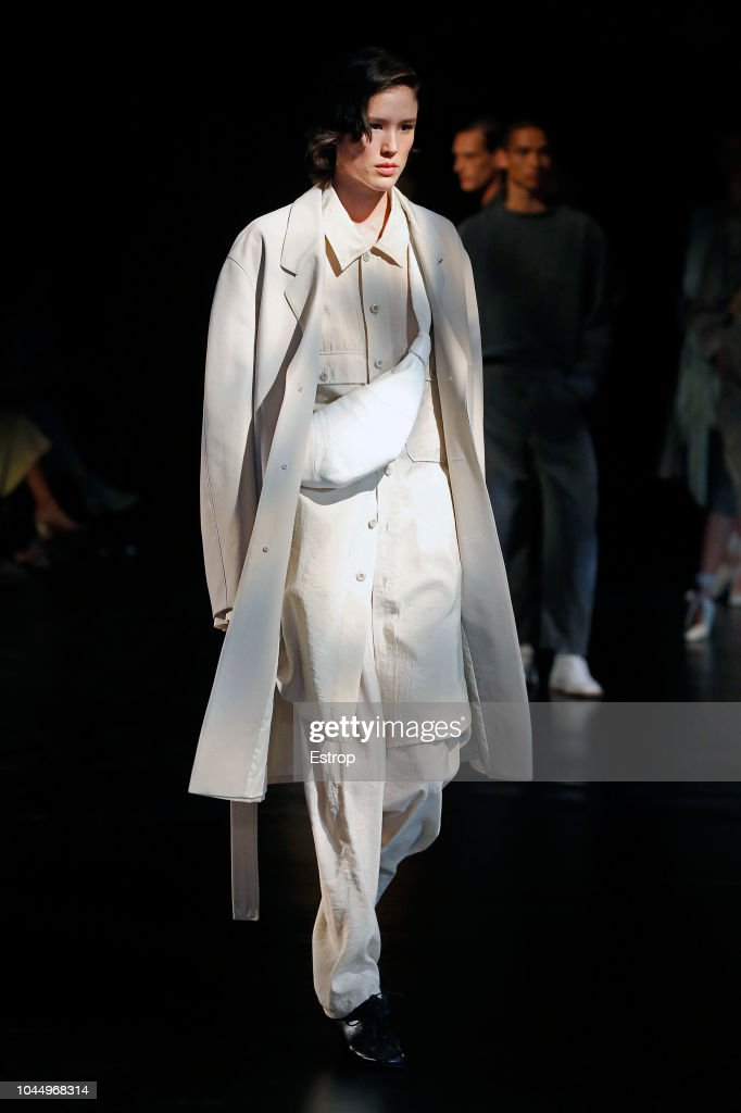 Lemaire : Runway - Paris Fashion Week Womenswear Spring/Summer 2019 : ニュース写真