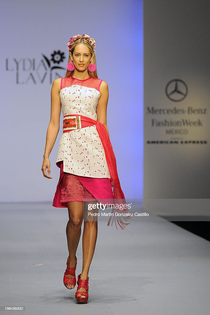 A model walks the runway during the Lidia Lavin Spring/Summer 2013 collection at Carpa Santa Fe on November 14, 2012 in Mexico City, Mexico.