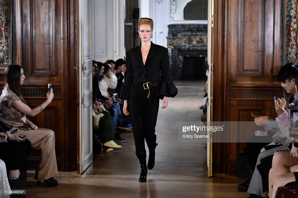 model-walks-the-runway-during-the-liu-chao-show-as-part-of-paris-picture-id1133443247