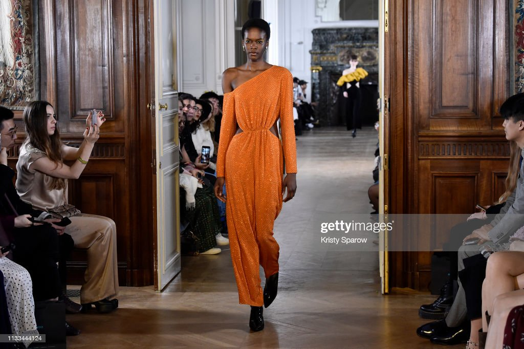 model-walks-the-runway-during-the-liu-chao-show-as-part-of-paris-picture-id1133444124