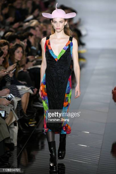 Model walks the runway during the Loewe show as part of the Paris Fashion Week Womenswear Fall/Winter 2019/2020 on March 1, 2019 in Paris, France.