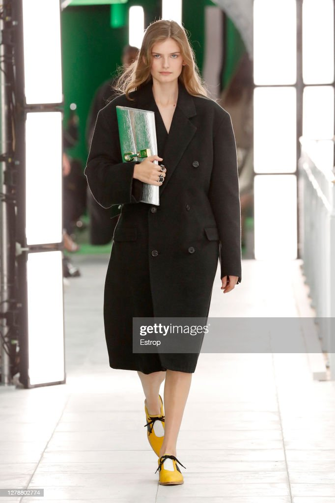 Louis Vuitton : Runway - Paris Fashion Week - Womenswear Spring Summer 2021 : ニュース写真