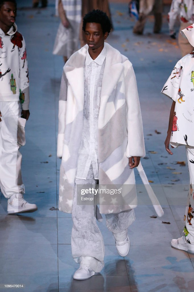 Louis Vuitton : Runway - Paris Fashion Week - Menswear F/W 2019-2020 : Photo d'actualité