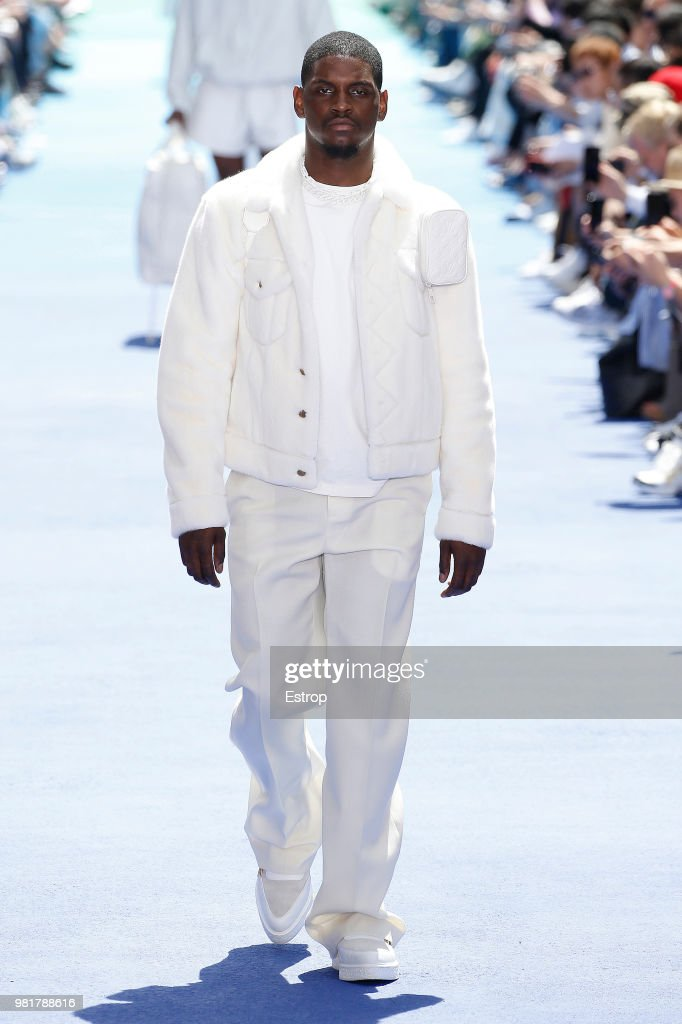 Louis Vuitton: Runway - Paris Fashion Week - Menswear Spring/Summer 2019 : Nachrichtenfoto